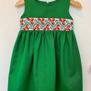 """Rochiță cu motivul """"Boboc de trandafir"""", verde"""